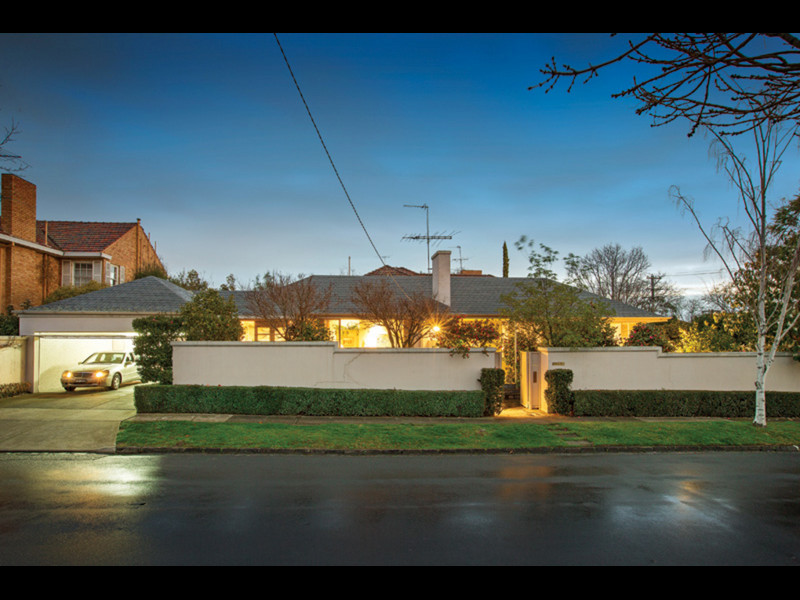 12 Irving Road, VIC 3142, aus