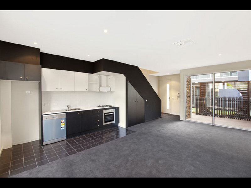 2/496 Dandenong Road, VIC 3161, aus
