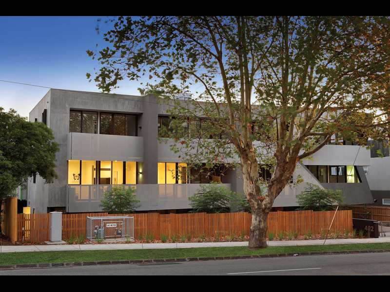 2.10/402 Dandenong Road, VIC 3161, aus