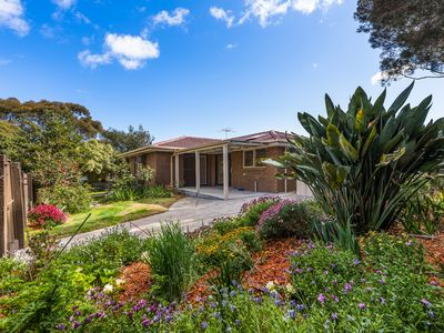 1 Saxonwood Court, Frankston