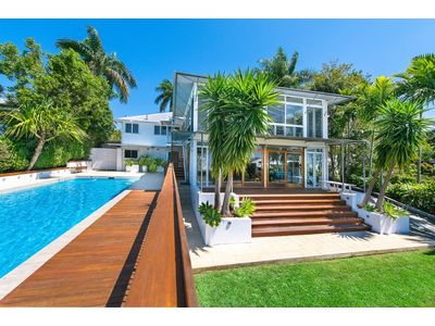 Tropical Family Haven – Stunning Modern Queenslander with ...