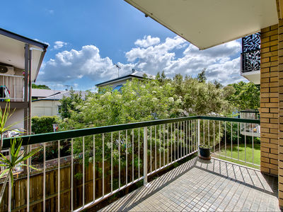 2/10 Stuckey Road, Clayfield