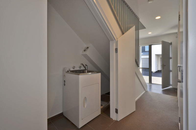 FREEHOLD, LOCK-UP AND GO TOWNHOUSE