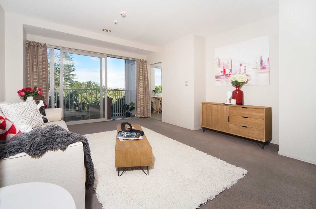 Takapuna Treasure with City Views