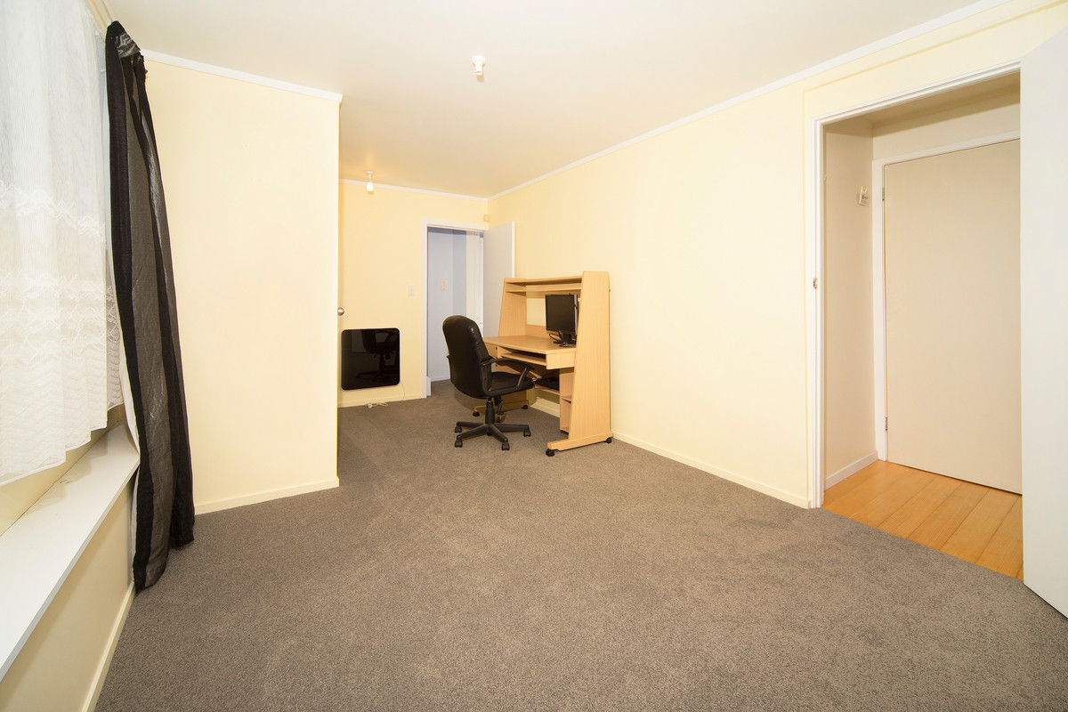 Room for Everyone, Large Freehold Site!!