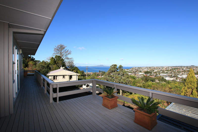 Stunning Home, Stunning Views