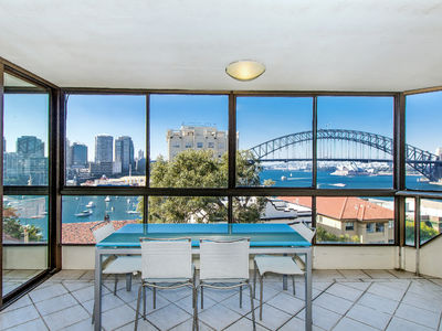 8-10 East Crescent Street, Mcmahons Point