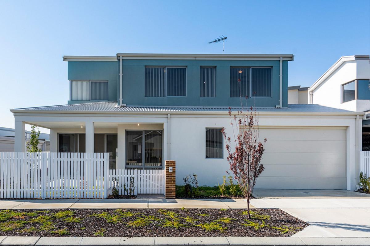 Stunning Near New Home - Carlin Team Real Estate