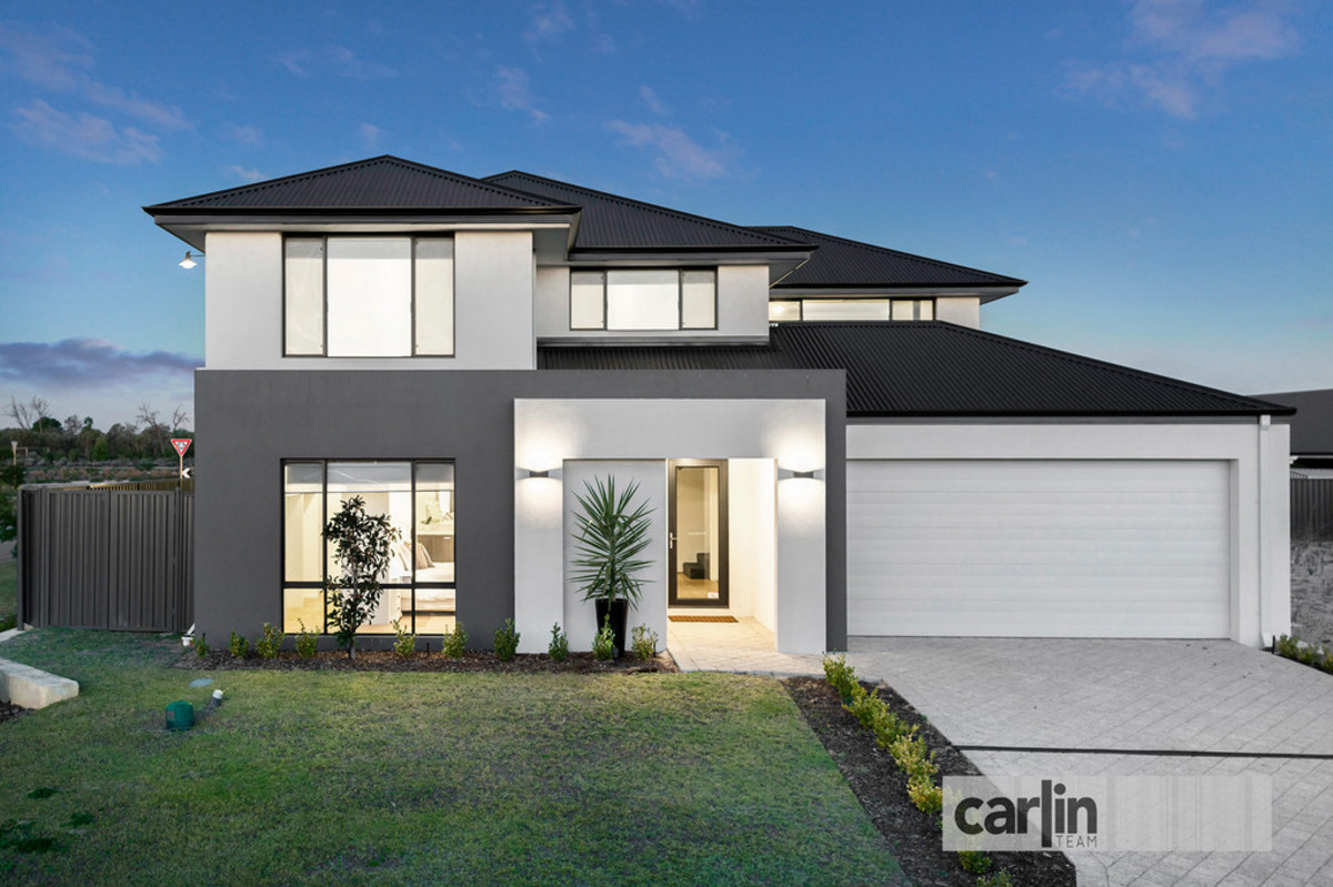 LUXURY FAMILY LIVING - Carlin Team Real Estate