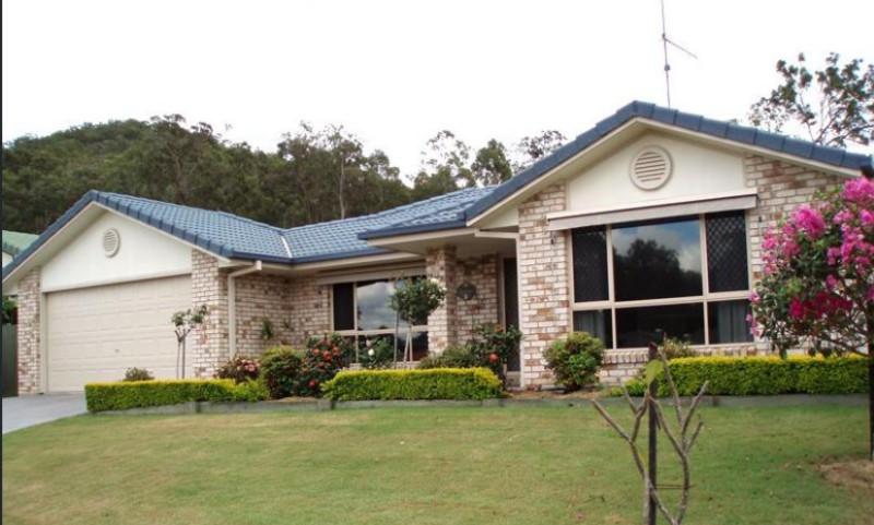10 Forestglen Crescent,Bahrs Scrub,Australia 4207,4 Bedrooms Bedrooms,2 BathroomsBathrooms,House,Forestglen Crescent,1042