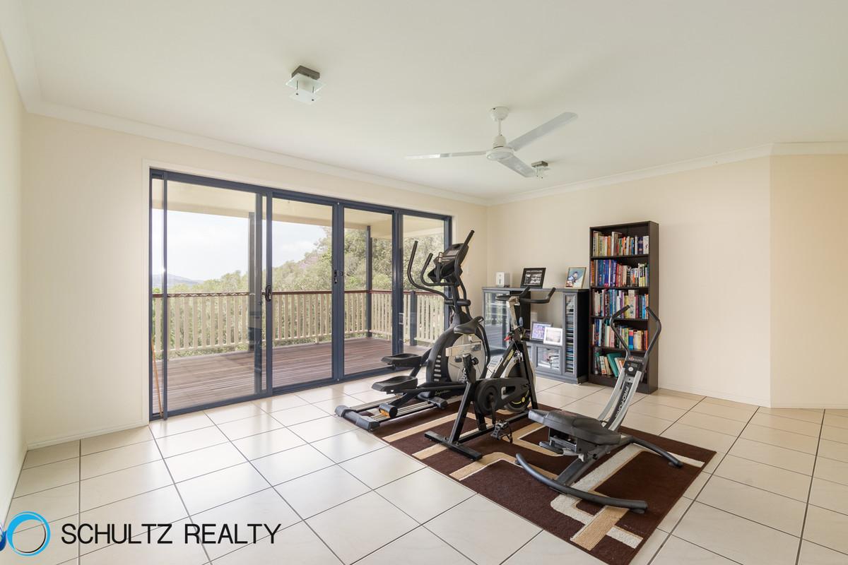 18 Bahrview Drive,Bahrs Scrub,Australia 4207,6 Bedrooms Bedrooms,3 BathroomsBathrooms,House,Bahrview Drive,1069