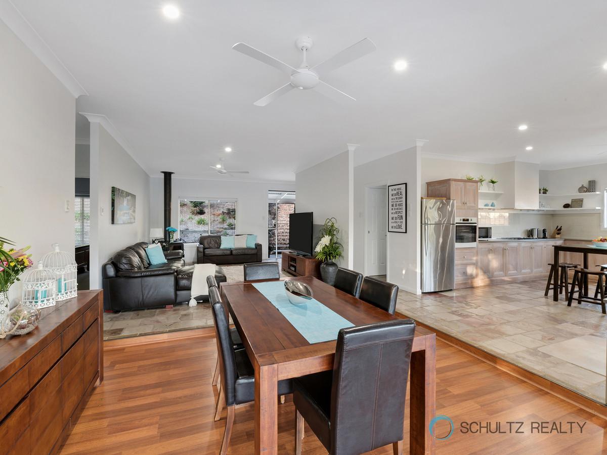 5 Magenta Court, Mount Warren Park, Australia 4207, 3 Bedrooms Bedrooms, ,2 BathroomsBathrooms,House,For sale,Magenta Court,1113