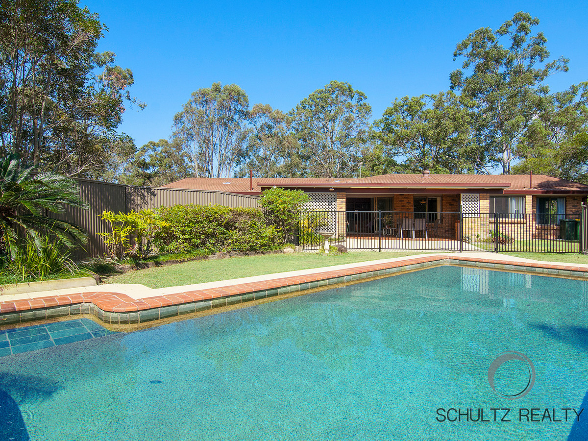 19 Winderadeen Drive, Highland Park, Australia 4211, 4 Bedrooms Bedrooms, ,2 BathroomsBathrooms,House,Sold,Winderadeen Drive,1121