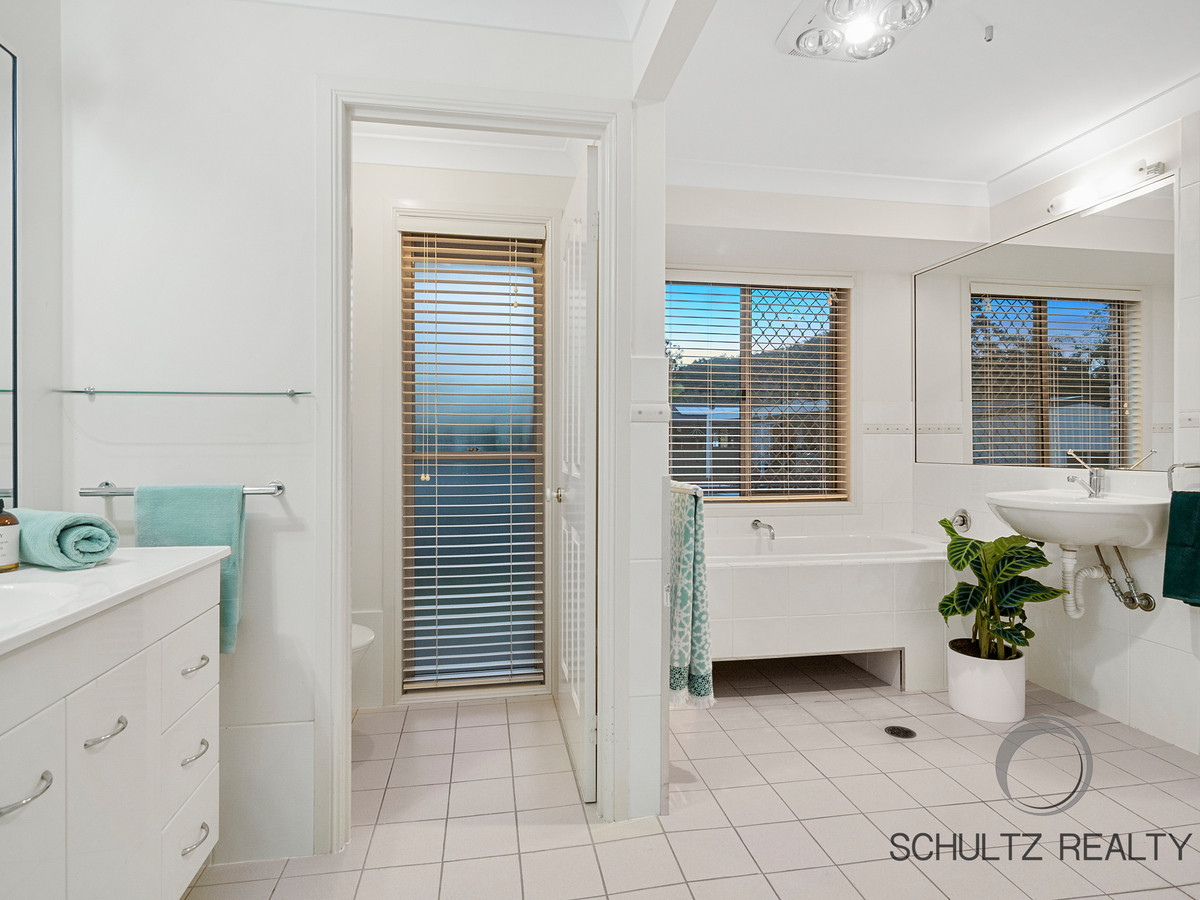 30 Kaiser Drive, Windaroo, Australia 4207, 4 Bedrooms Bedrooms, ,3 BathroomsBathrooms,House,Sold,Kaiser Drive,1122