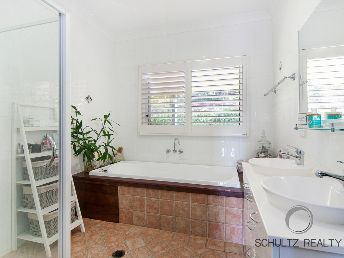 13 Rae Court- Mount Warren Park- Australia 4207, 5 Bedrooms Bedrooms, ,3 BathroomsBathrooms,House,For sale,Rae Court,1146