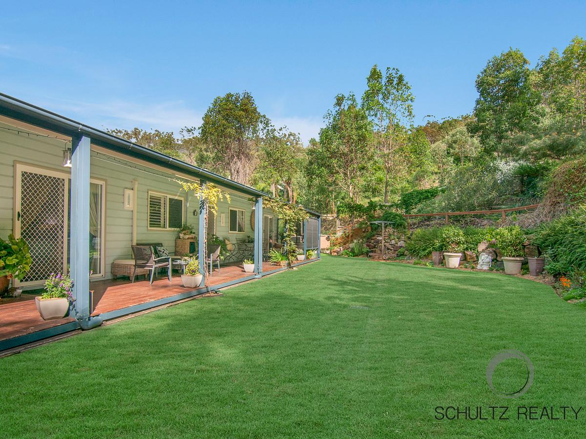 13 Rae Court, Mount Warren Park, Australia 4207, 5 Bedrooms Bedrooms, ,3 BathroomsBathrooms,House,Sold,Rae Court,1146