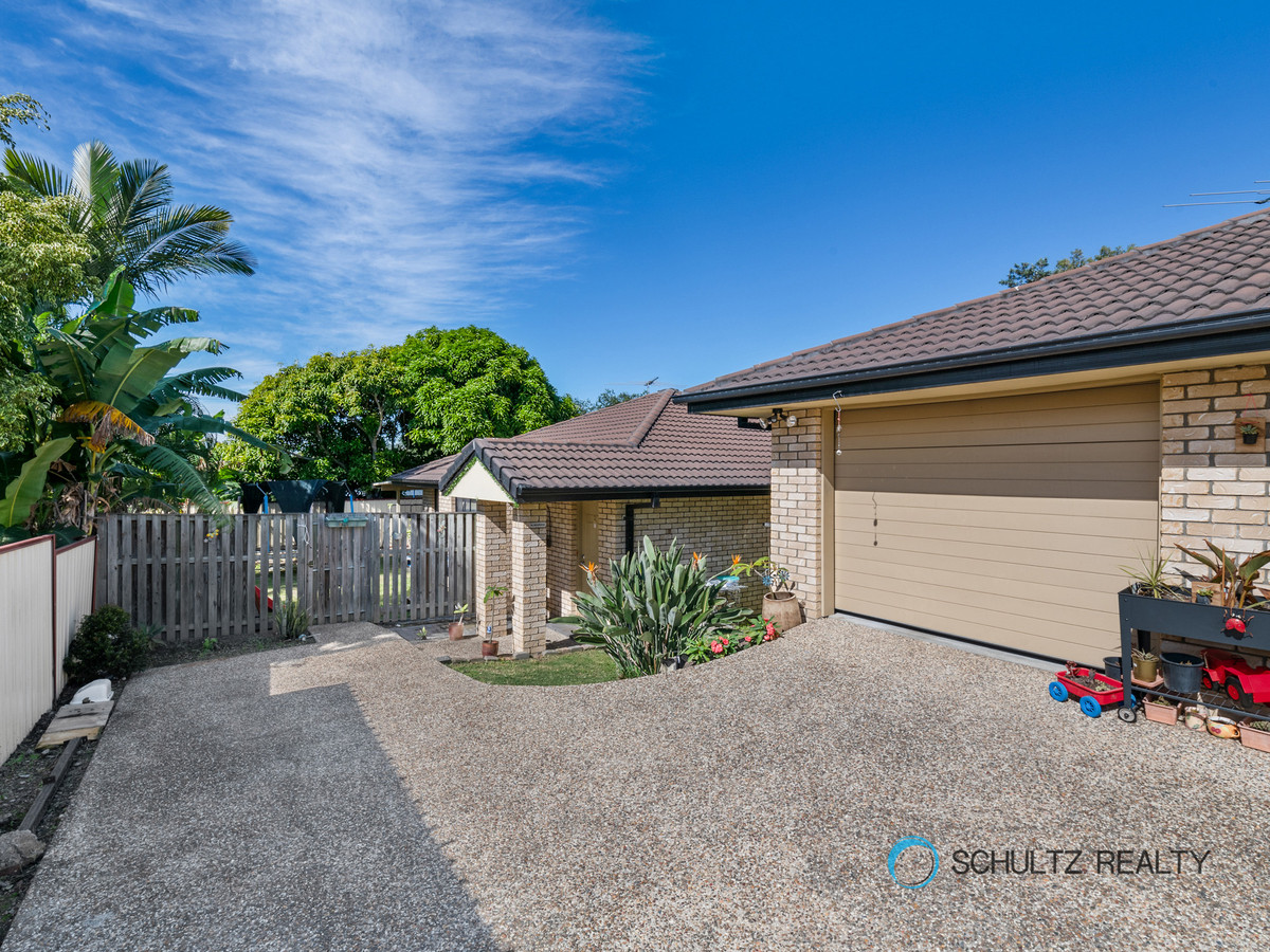 11 Kelly Street, Eagleby, Australia 4207, 6 Bedrooms Bedrooms, ,2 BathroomsBathrooms,Duplex,For sale,Kelly Street,1151