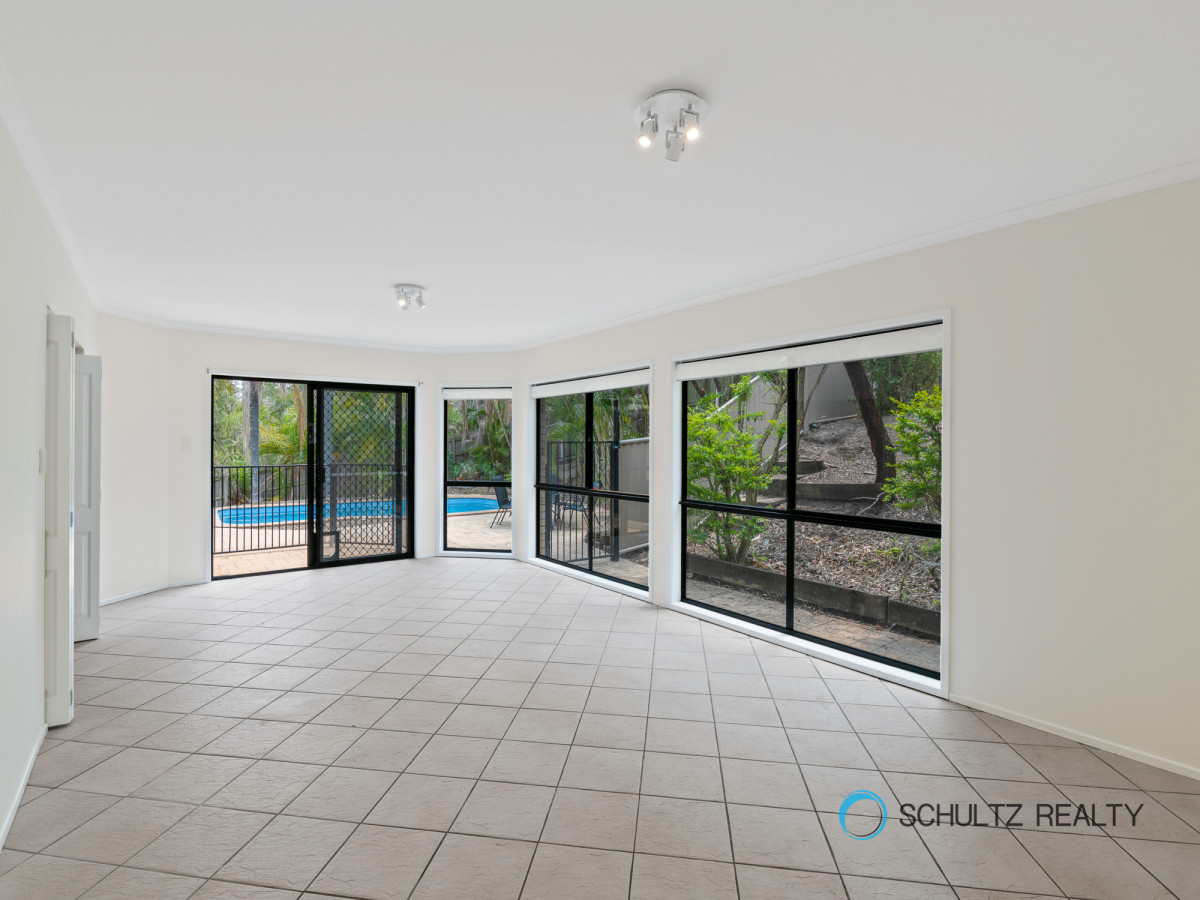 247 Mount Warren Boulevard, Mount Warren Park, Australia 4207, 4 Bedrooms Bedrooms, ,1 BathroomBathrooms,House,Sold,Mount Warren Boulevard,1188