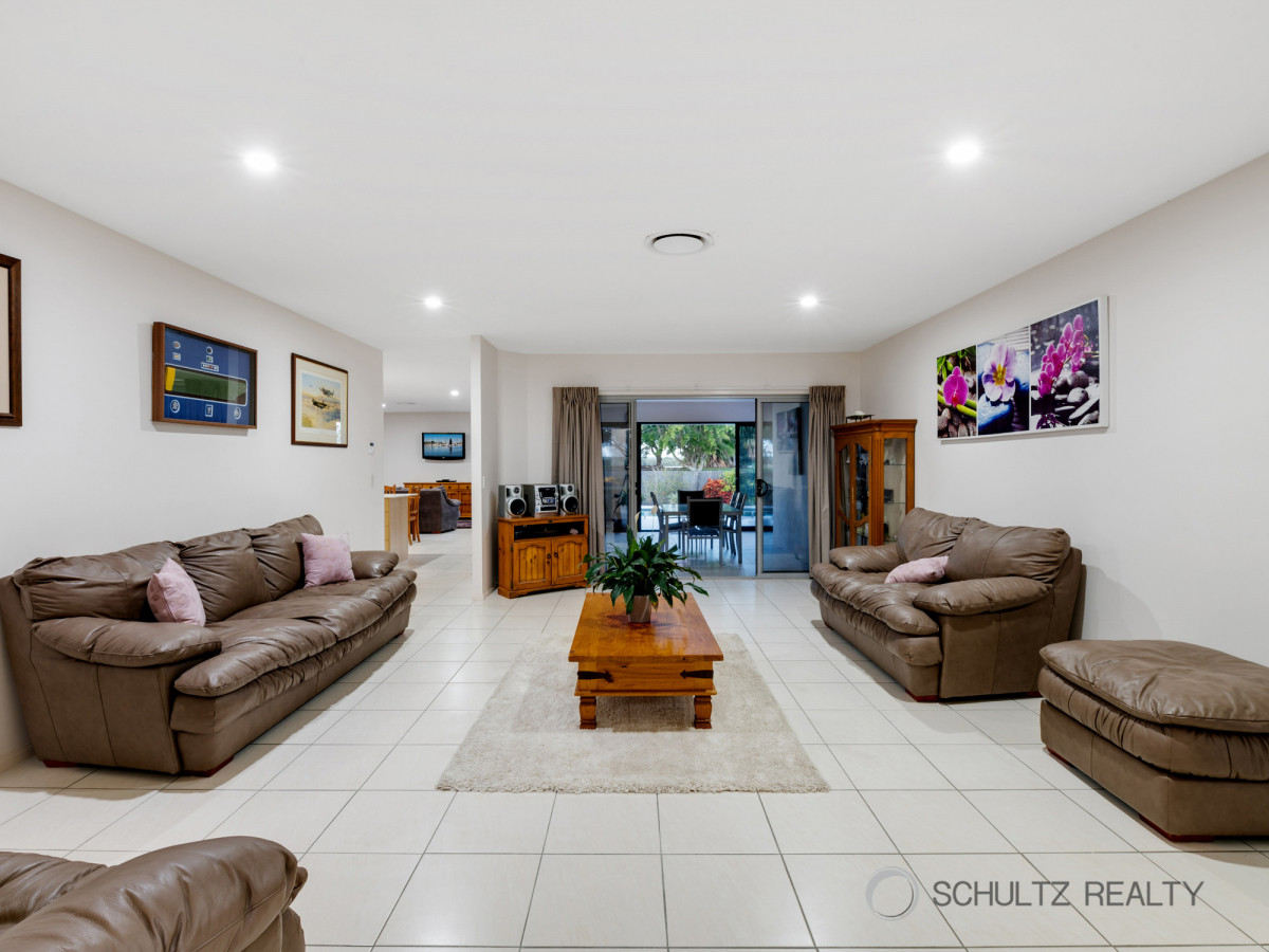 8 Marina Parade, Jacobs Well, Australia 4208, 4 Bedrooms Bedrooms, ,2 BathroomsBathrooms,House,Sold,Marina Parade,1203