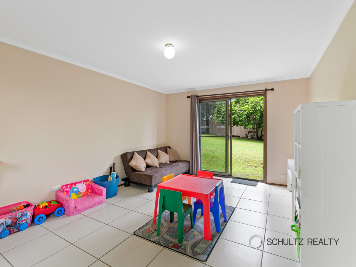 7 Eastwell Court, Mount Warren Park, Australia 4207, 5 Bedrooms Bedrooms, ,2 BathroomsBathrooms,House,Sold,Eastwell Court,1204