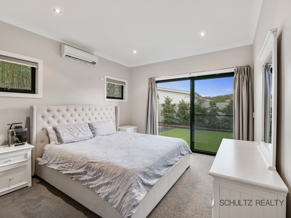 12 Galley Road, Hope Island, Australia 4212, 4 Bedrooms Bedrooms, ,2 BathroomsBathrooms,House,Sold,Galley Road,1257