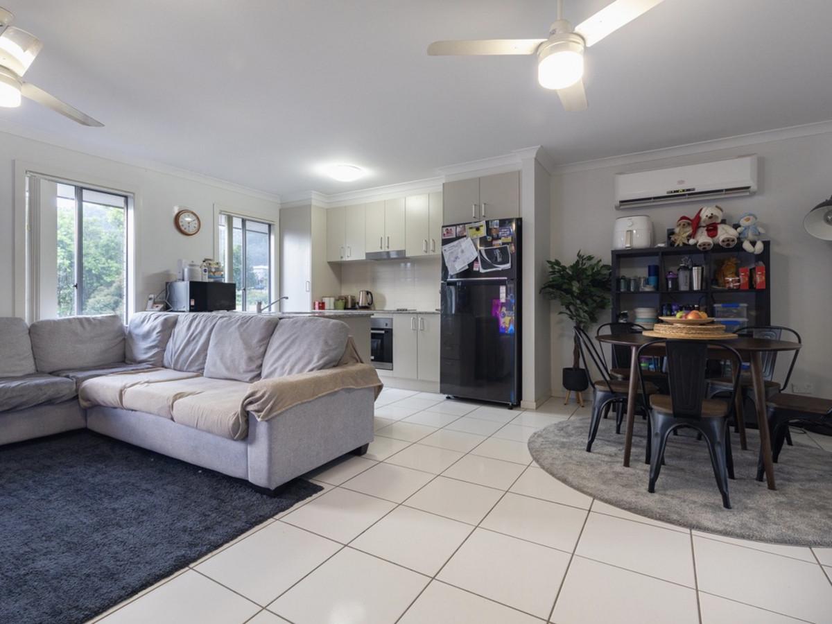 7 Skyline Circuit, Bahrs Scrub, Australia 4207, 4 Bedrooms Bedrooms, ,2 BathroomsBathrooms,House,Sold,Skyline Circuit,1262