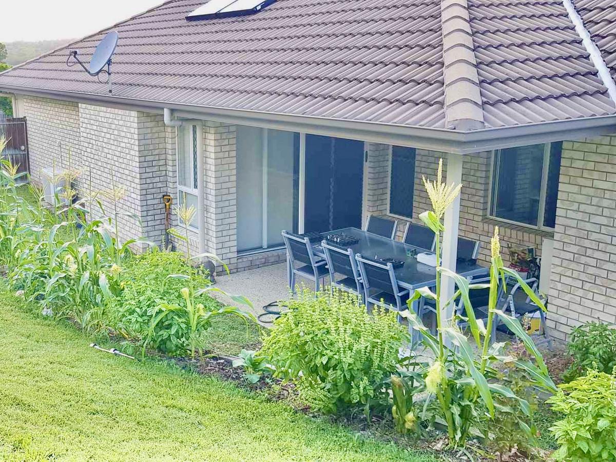 39 Skyline Circuit, Bahrs Scrub, Australia 4207, 4 Bedrooms Bedrooms, ,2 BathroomsBathrooms,House,Sold,Skyline Circuit,1267