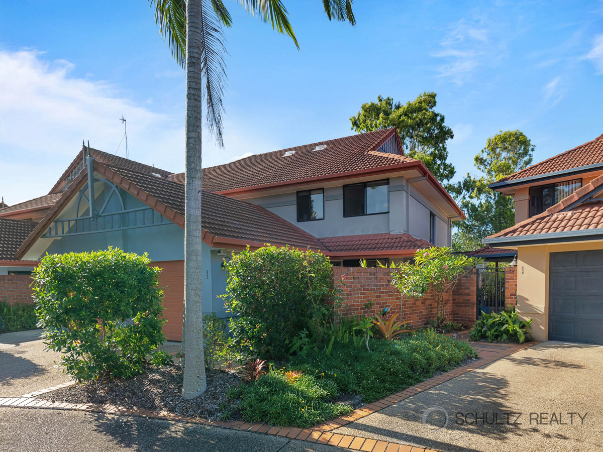 125 Hansford Road, Coombabah, Australia 4216, 3 Bedrooms Bedrooms, ,2 BathroomsBathrooms,Townhouse,For sale,Hansford Road,1270