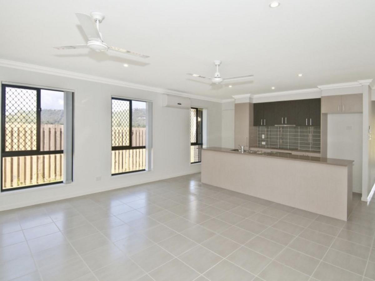 37 Breezeway Drive, Bahrs Scrub, Australia 4207, 4 Bedrooms Bedrooms, ,2 BathroomsBathrooms,House,For sale,Breezeway Drive,1286