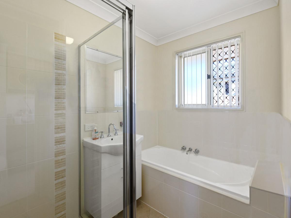 103 Carl Heck Boulevard, Windaroo, Australia 4207, 4 Bedrooms Bedrooms, ,2 BathroomsBathrooms,House,Sold,Carl Heck Boulevard,1297