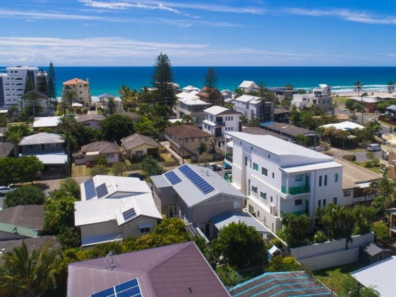8 Seagull Avenue, Mermaid Beach Qld 4218