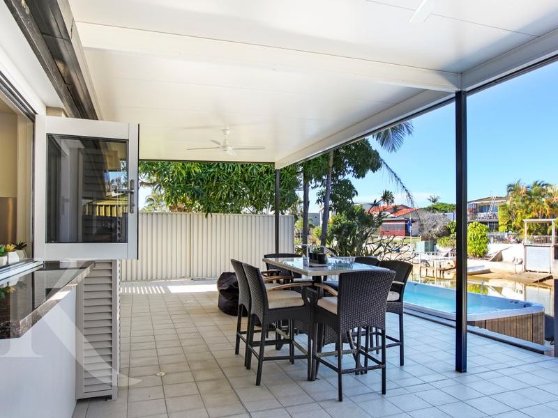 158 Monaco Street, Broadbeach Waters Qld 4218