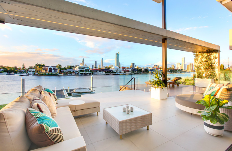 15 Cleland Crescent, Broadbeach Waters Qld 4218