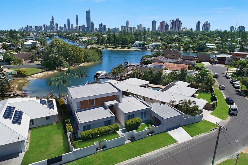12 Beverley Crescent, Broadbeach Waters Qld 4218