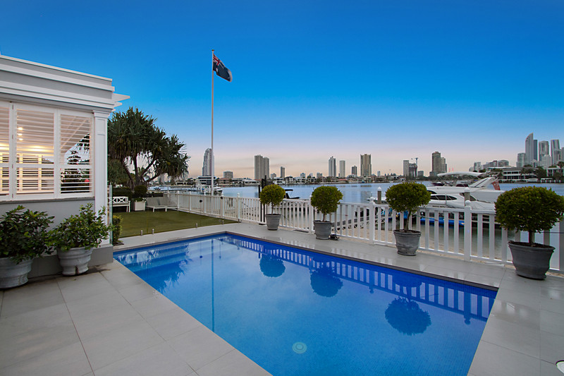 1a Yacht Street, Southport Qld 4215