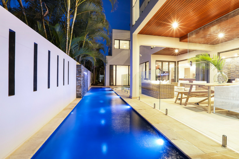 7 Seabeach Avenue, Mermaid Beach Qld 4218