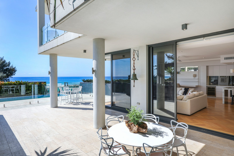 1 / 470 The Esplanade, Palm Beach Qld 4221