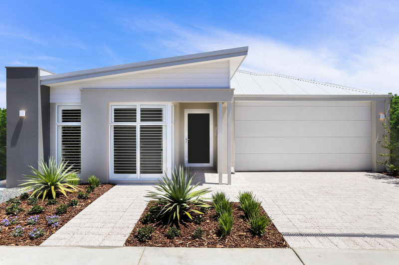 5 bed, 2 bath single storey home design Perth with 15m frontage by Aussie Living Homes
