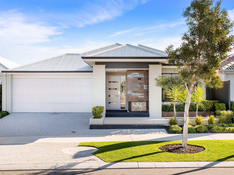 4 bed, 2 bath single storey home design Perth with 10.5m frontage by Aussie Living Homes