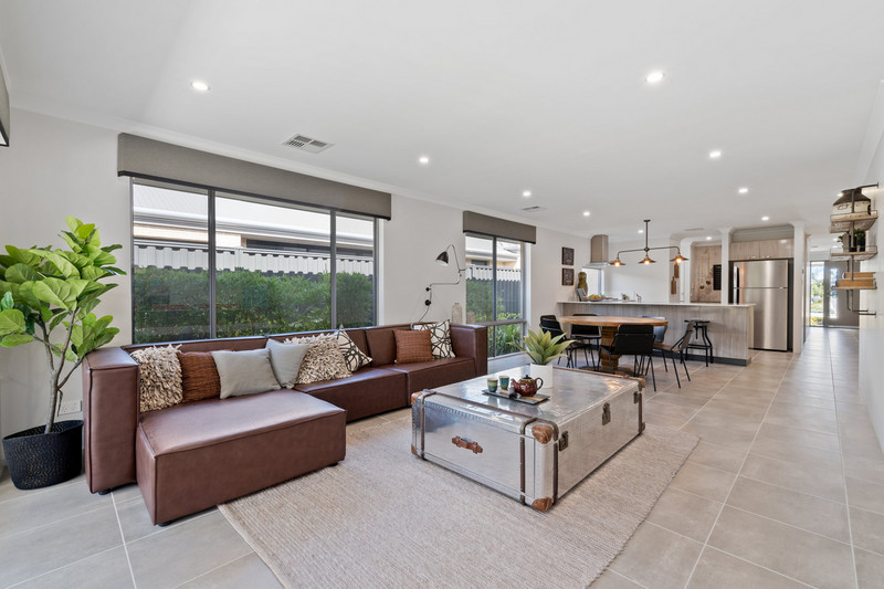 3 bed, 2 bath single storey home design Perth with 11.50m frontage by Aussie Living Homes