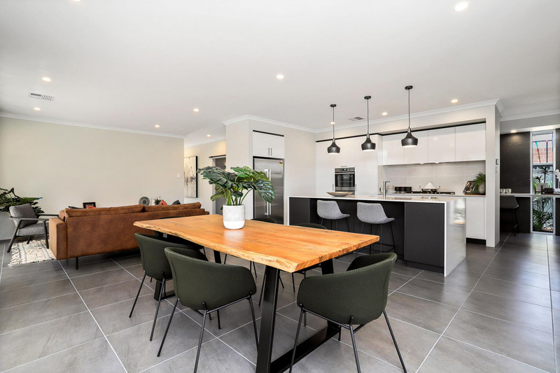 4 bed, 2 bath single storey home design Perth with 17m frontage by Aussie Living Homes