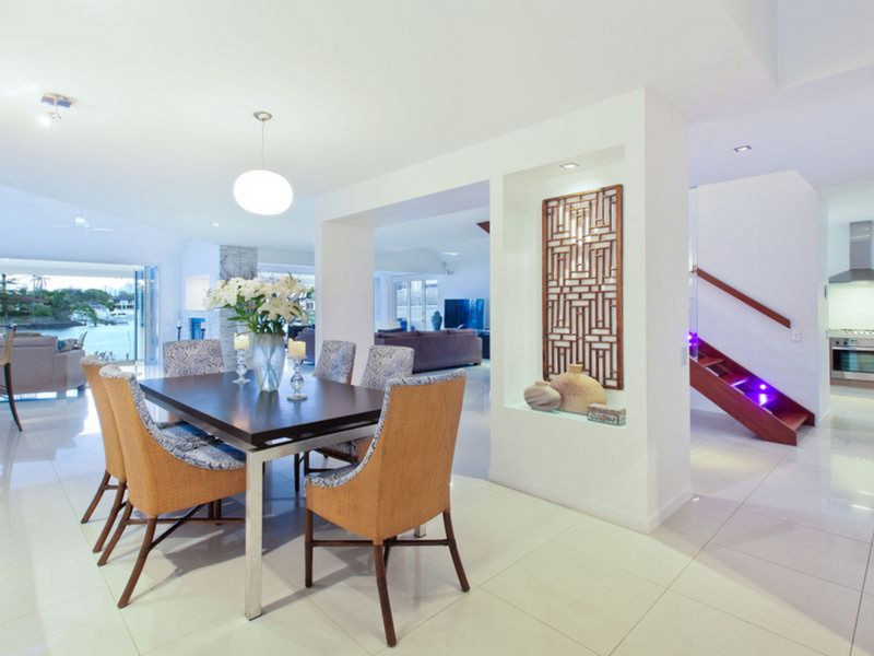 25 Cleland Crescent, Broadbeach Waters Qld 4218
