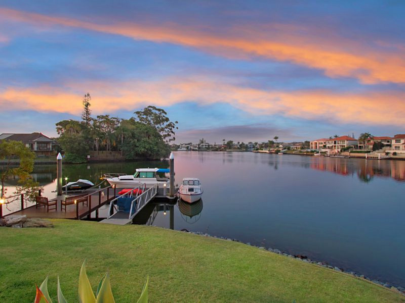 45 Conifer Crescent, Broadbeach Waters Qld 4218