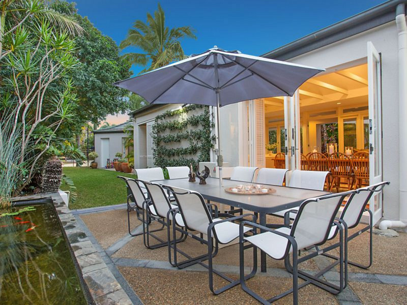 4 Saint Tropez Terrace, Sorrento Qld 4217