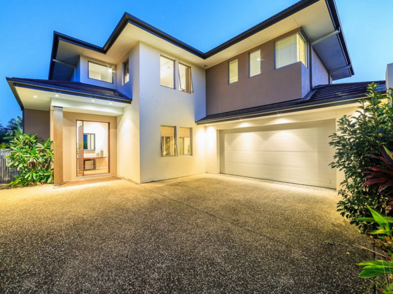 62 Monaco Street, Broadbeach Waters Qld 4218