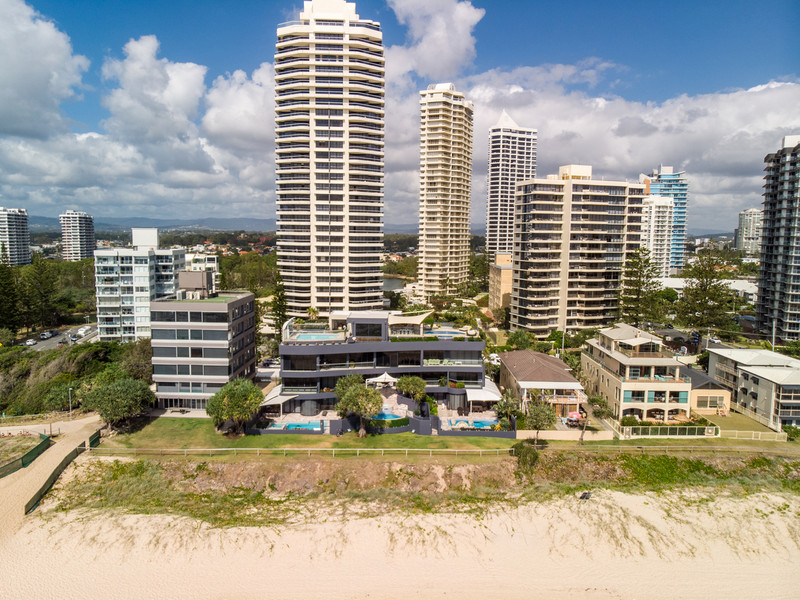 3 / 3511 Main Beach Parade, Main Beach Qld 4217