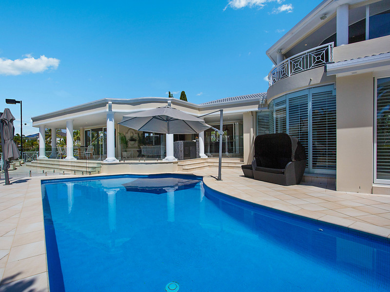 55-57 Charolais Crescent, Benowa Waters Qld 4217