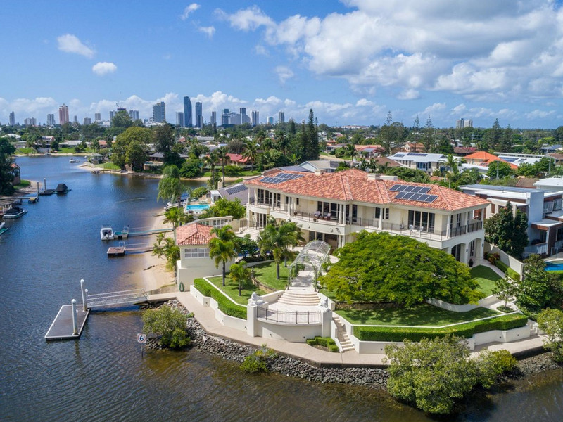 60 Sophie Avenue, Broadbeach Waters Qld 4218