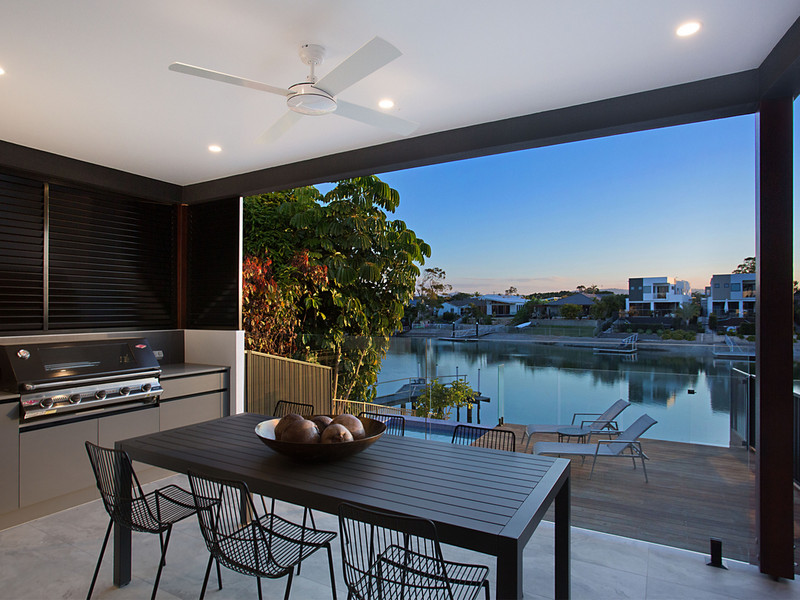 20a Conifer Crescent, Broadbeach Waters Qld 4218