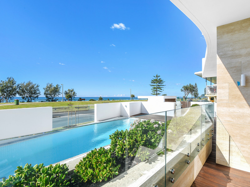 1 / 142 Marine Parade, Miami Qld 4220